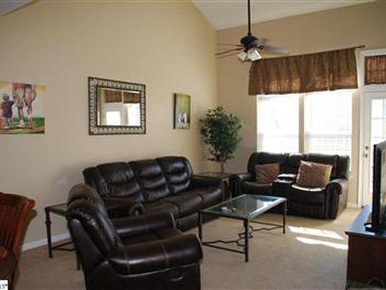 418 Cedar Pines Dr, Greenville, SC 29615
