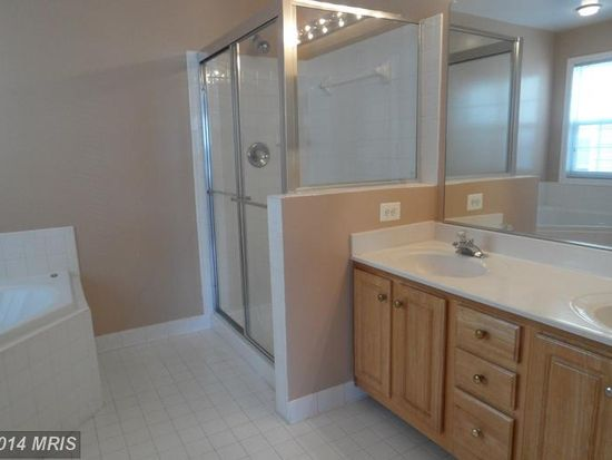 9158 Mineola Ct, Manassas, VA 20111