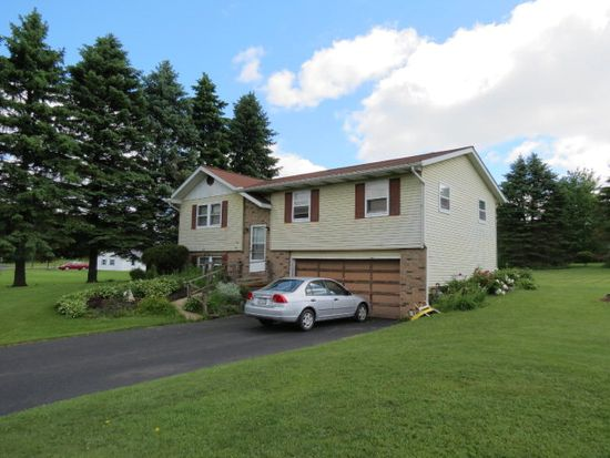 363 Valleyview Dr, Saegertown, PA 16433