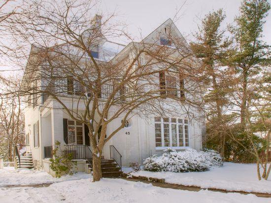 45 Edgecliff Rd, Carnegie, PA 15106