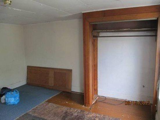18 Earl St, Duquesne, PA 15110