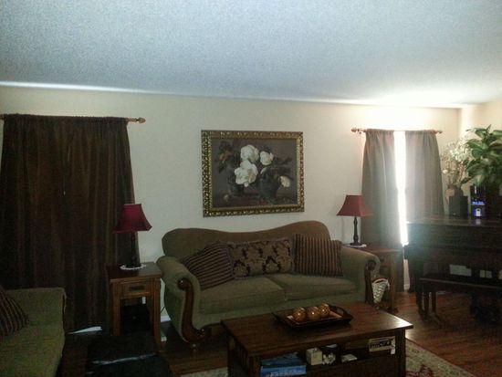 2747 SW Tutbury Town Rd, Topeka, KS 66614