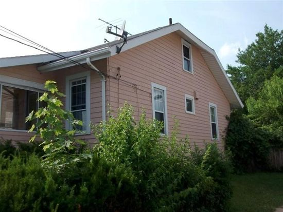 63 Rounds Ave, Providence, RI 02907