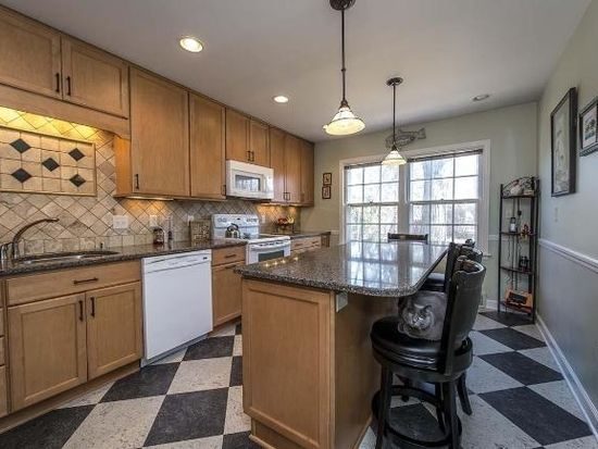 1504 Upper Pkwy S, Wauwatosa, WI 53213