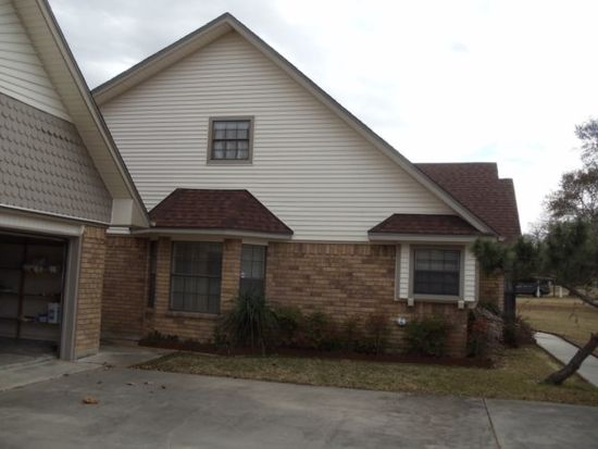 10867 Greenway Dr, Beaumont, TX 77705
