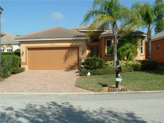 13944 Village Creek Dr, Fort Myers, FL 33908