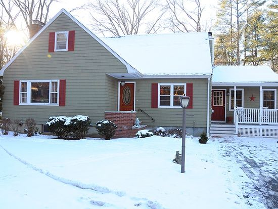 12 Oakland Rd, North Reading, MA 01864