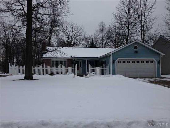 604 Briarwood Ln, Lewiston, NY 14092