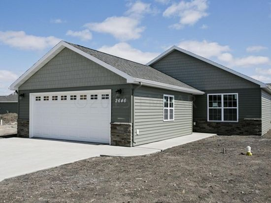 2672 Whispering Creek Cir S, Fargo, ND 58104
