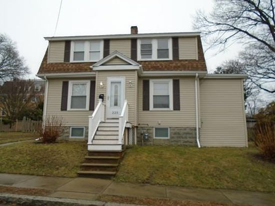 225 Calvin St, Fall River, MA 02720