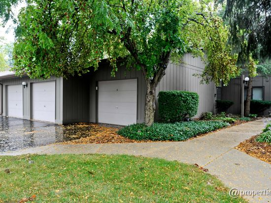29W431 Emerald Green Dr UNIT F, Warrenville, IL 60555