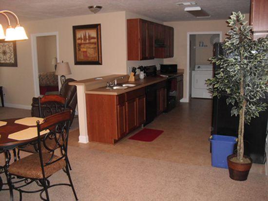 2392 Meadowlark Commons Ct APT 104, Albany, GA 31707