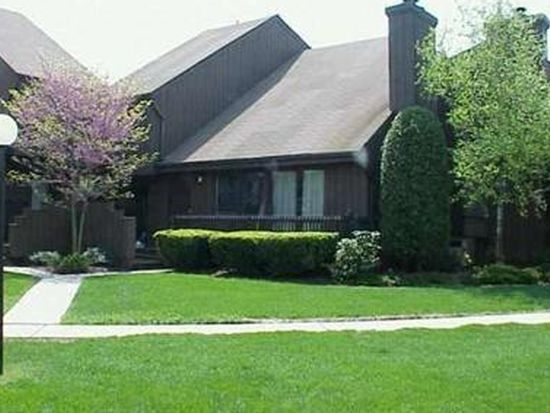 125 Kingsberry Dr, Somerset, NJ 08873