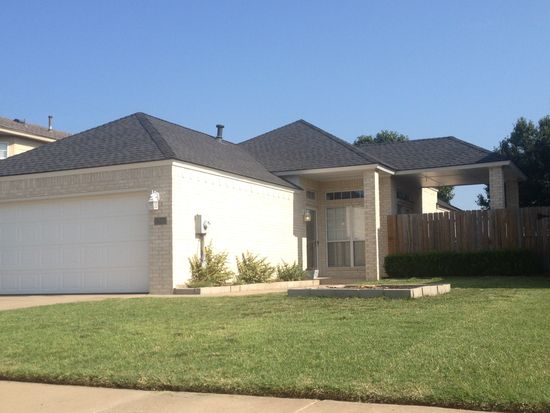 1305 SW 22nd St, Moore, OK 73170