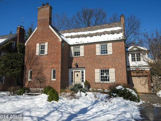 3929 Oliver St, Chevy Chase, MD 20815