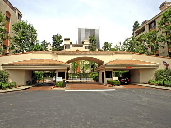2132 Century Park Ln APT 109, Los Angeles, CA 90067