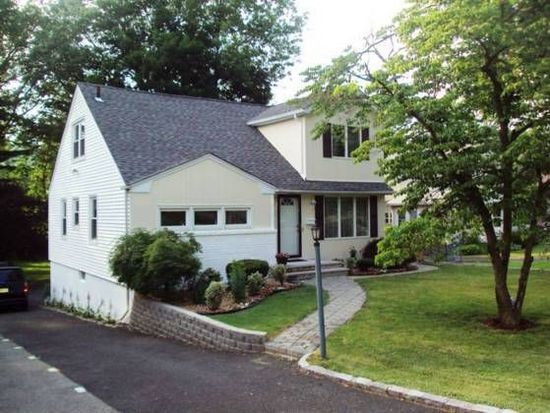 369 Saint Cloud Ave, West Orange, NJ 07052