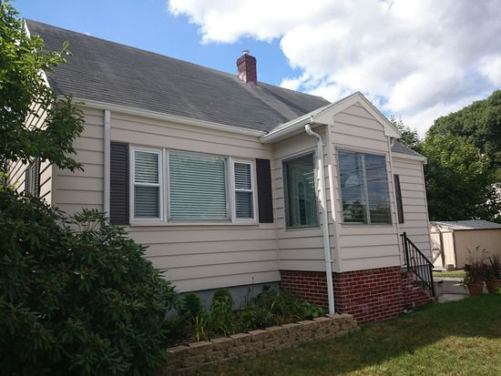 59 Ledge Hill Rd, Boston, MA 02132