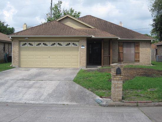 1081 Meadowridge Dr, Beaumont, TX 77706