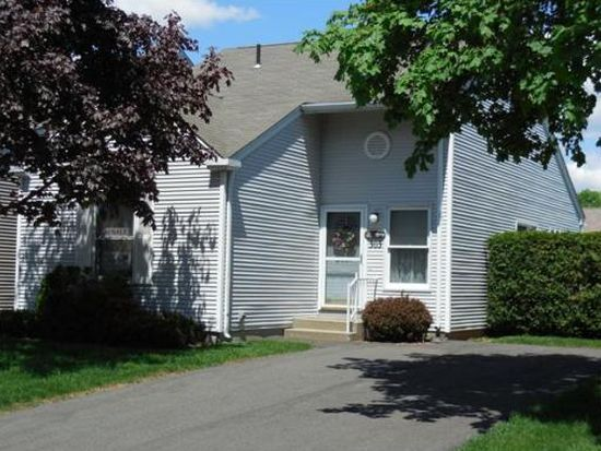 303 Alvord Pl UNIT 303, South Hadley, MA 01075