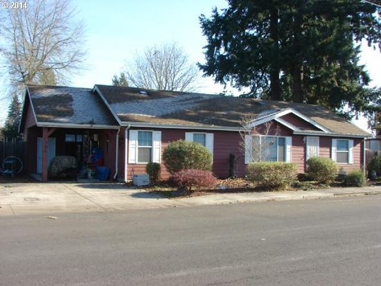 390 S Knott St, Canby, OR 97013