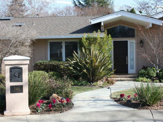 745 Casa Bonita Ct, Los Altos, CA 94024