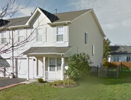 2733 Cedar Glade Rd, Naperville, IL 60564