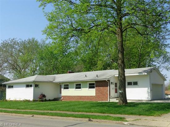 218 West St, Wadsworth, OH 44281