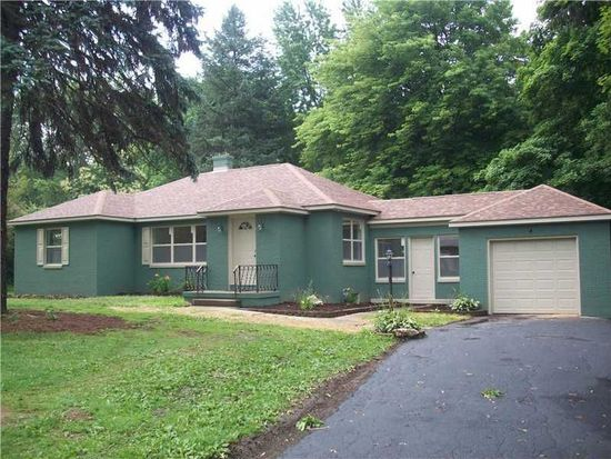 2746 Morefield Rd, Hermitage, PA 16148