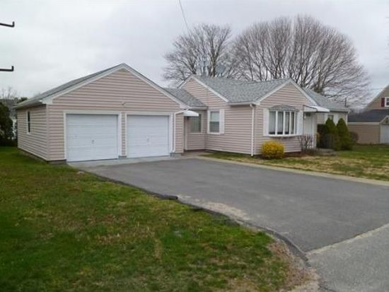 68 Cypress Ave, Tiverton, RI 02878