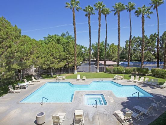 701 N Los Felices Cir W UNIT L102, Palm Springs, CA 92262