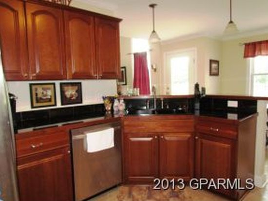 907 Sunnyfield Dr, Greenville, NC 27858