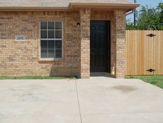 307 Kings Way Dr APT B, Mansfield, TX 76063