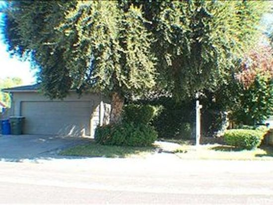 3305 Moonview Dr, Ceres, CA 95307
