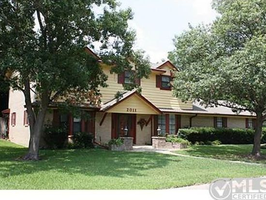 2011 Woodlawn St, Gainesville, TX 76240