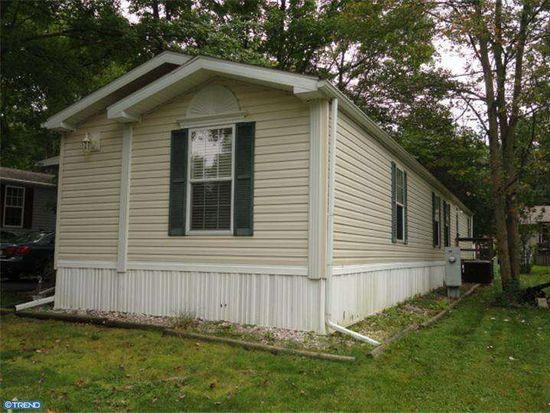 623 Willow Dr, Green Lane, PA 18054