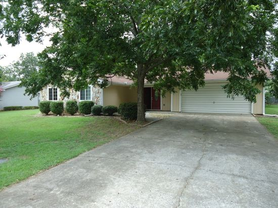 314 Wake Forest Dr, Warner Robins, GA 31093