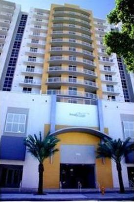 900 SW 8th St APT 1208, Miami, FL 33130