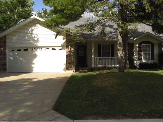 337 Westminster Dr, Saint Peters, MO 63376