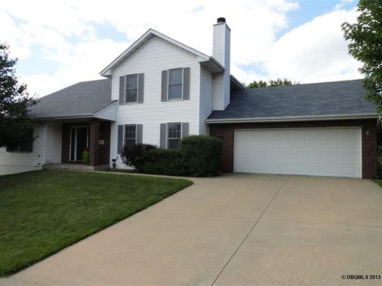 845 Council Hill Dr, Dubuque, IA 52003