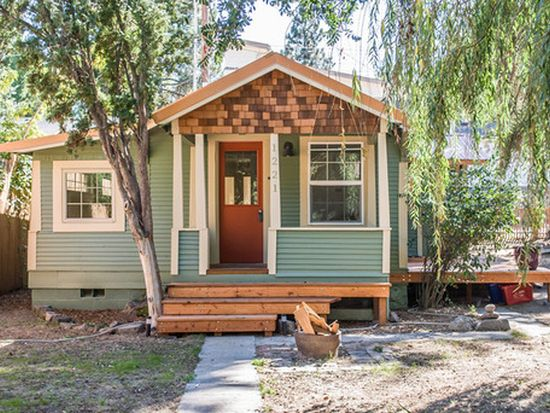 1221 NW Fresno Ave, Bend, OR 97701
