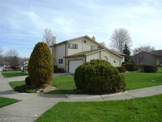 10210 Fox Hollow Dr, Parma, OH 44130