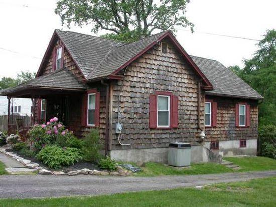 37 Main St, Fallsington, PA 19054