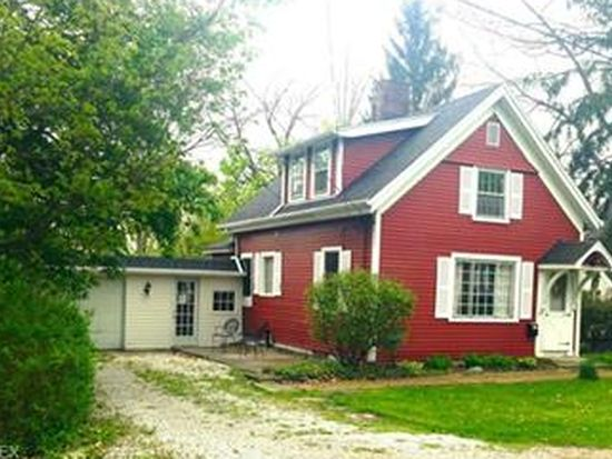 42 E Cottage St, Chagrin Falls, OH 44022