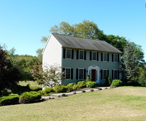 71 Dodgingtown Rd, Newtown, CT 06470
