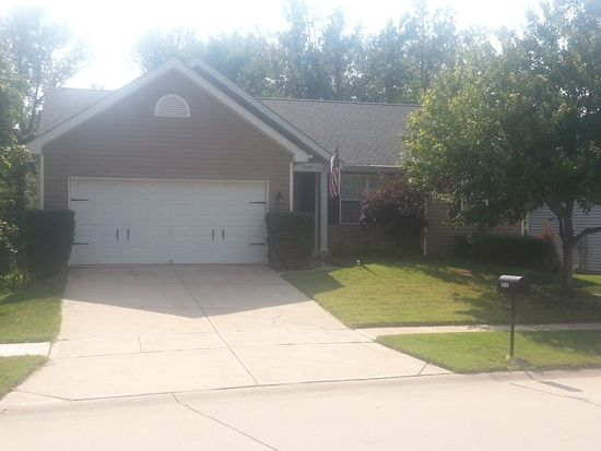 12102 Glenpark Dr, Maryland Heights, MO 63043