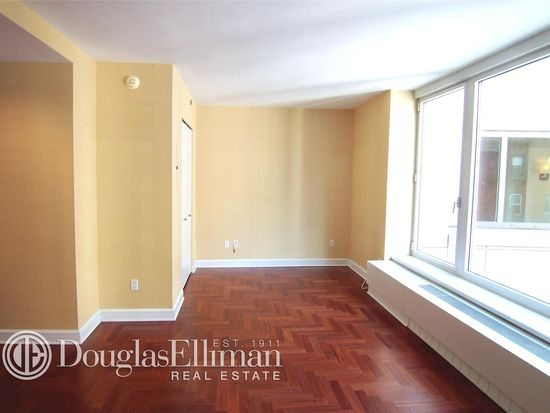 240 Riverside Blvd APT 8P, New York, NY 10069