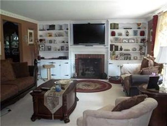 116 Clearfield Dr, Williamsville, NY 14221
