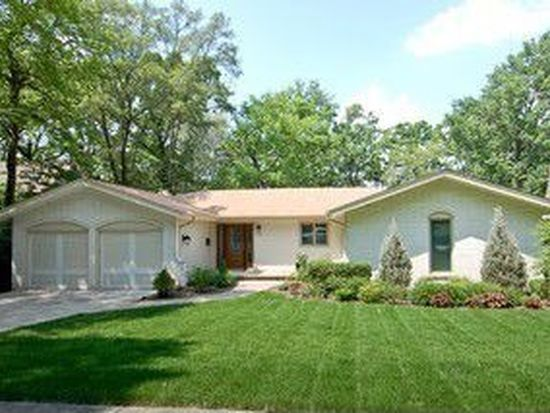 1112 Candlewood Dr, Downers Grove, IL 60515