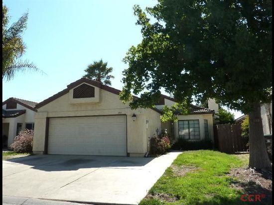 2211 Almond Ln, Santa Maria, CA 93458